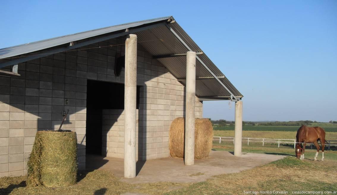 Horse boxes Cordoba