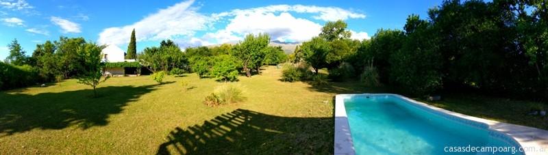 Casa Villa Las Rosas Pileta y casa lejos muy buena